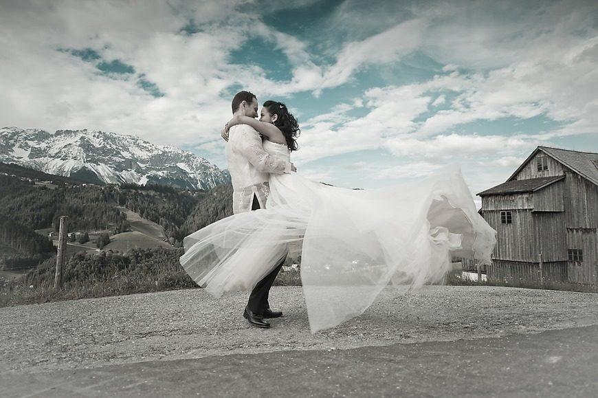 ,osztrák alpok,esküvő,tradicionális esküvő,arts illustrated studios,