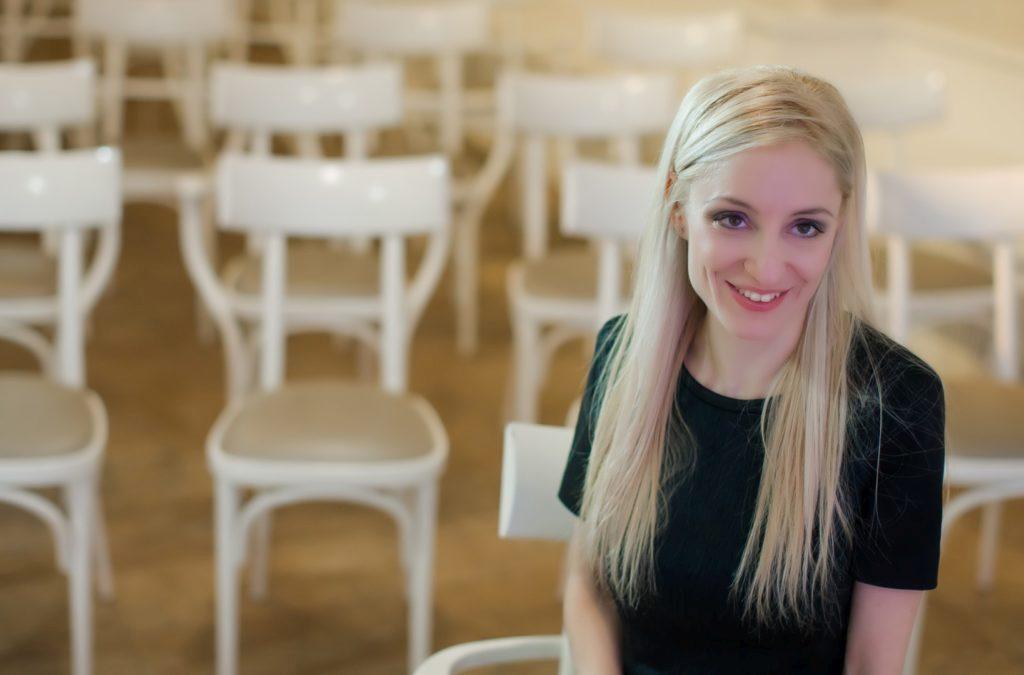 167f1510e4 Vágvölgyi Andrea esküvőszervező, a Dream Wedding tulajdonosa, Fotók: Jaksa  Tímea. Sikerült megbarátkoznod a pénteki esküvő gondolatával?