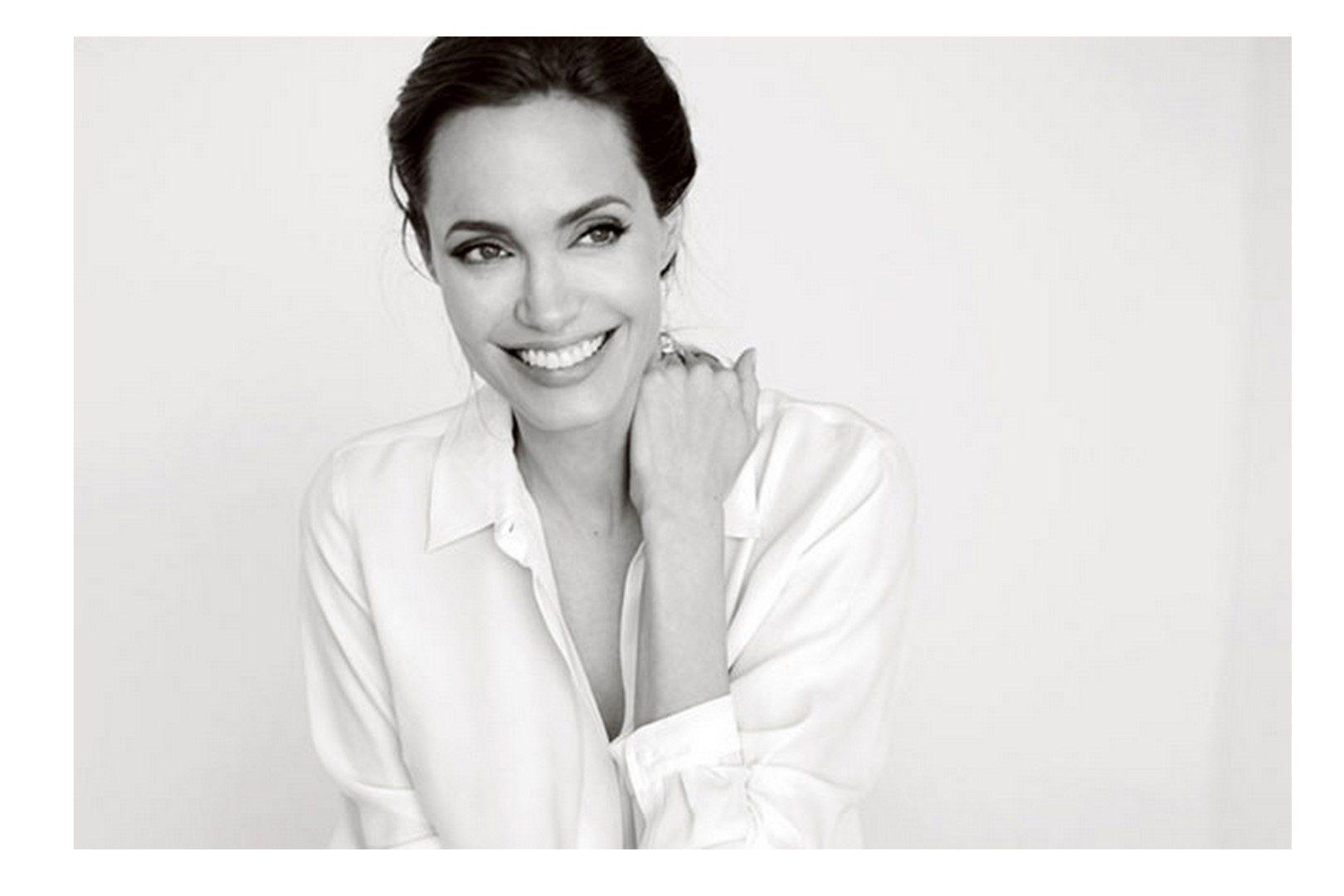 Angelina Jolie esküvői ruhája