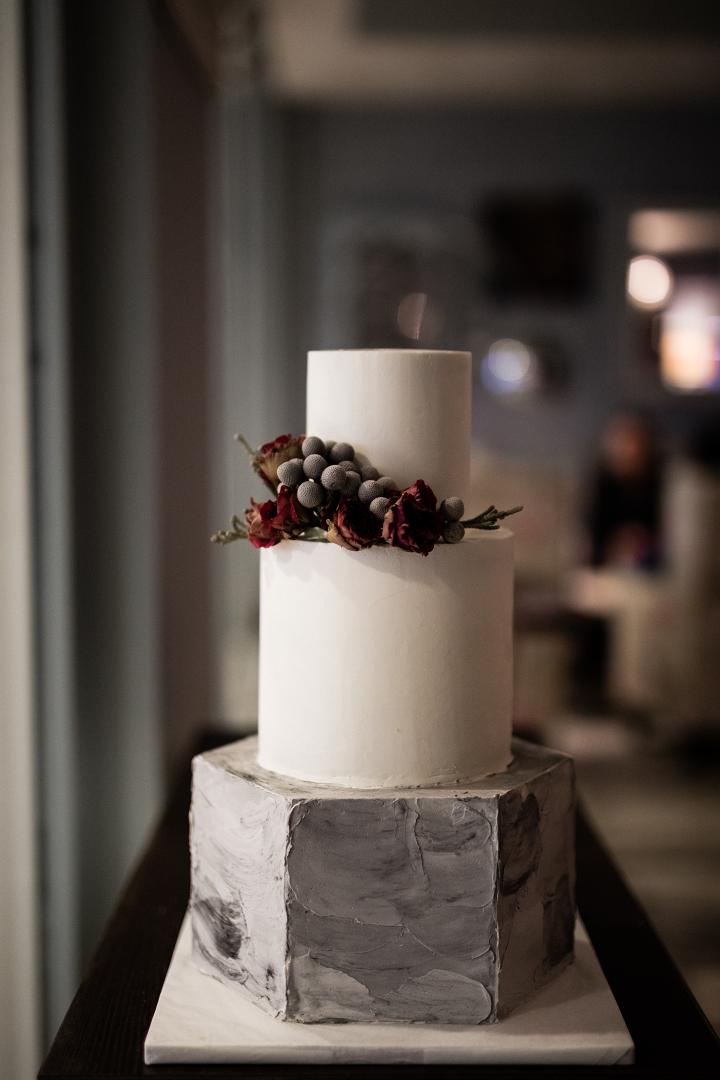 3ae5651a18 Esküvői torta trend 2018 - Avagy van élet a naked cake után is