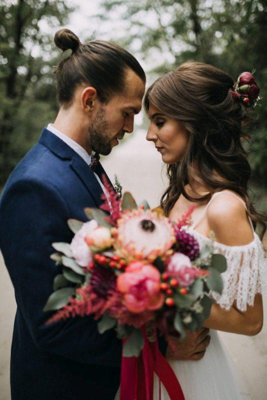 ffd1d4700b Álomszerű volt, nem kívánhatnánk szebbet - Eszter & Gyuri erdei esküvője