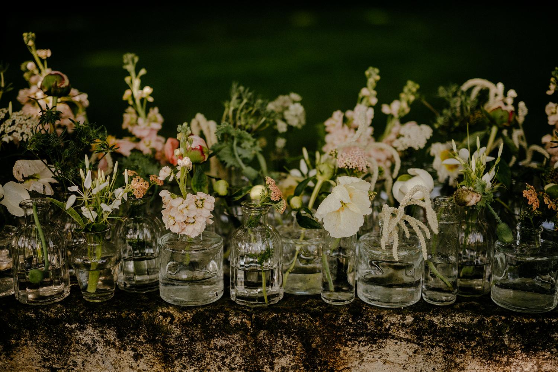 visszafogottan elegáns esküvői dekor
