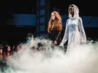 Sára és Kafiya együtt,a gyermekházasságok ellen