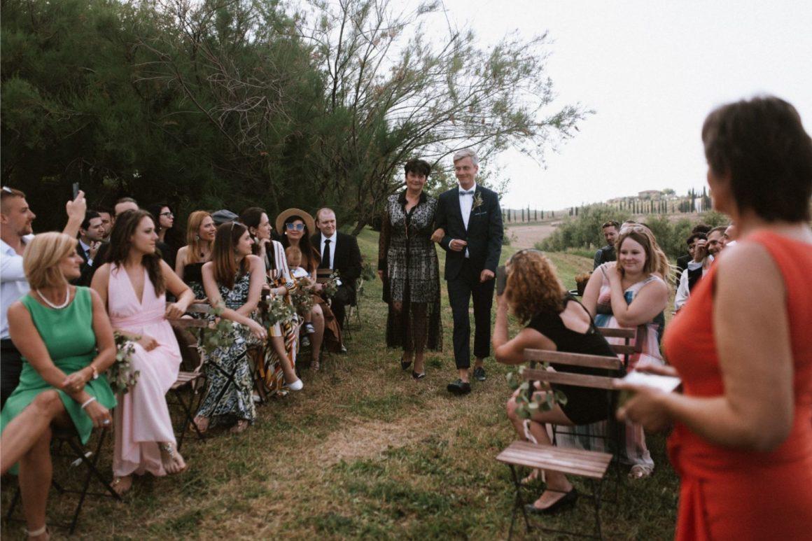 nő keres ember montreal esküvő)