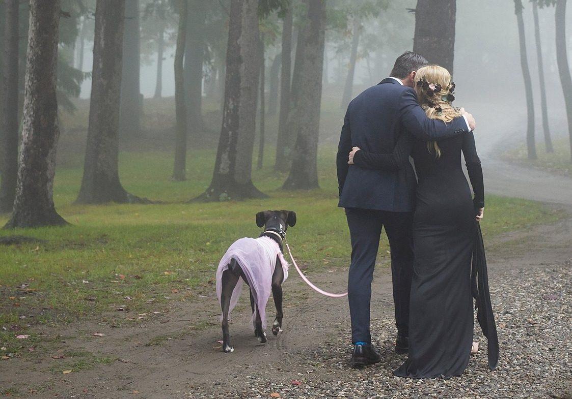 ,fekete esküvői ruha,,zosia mamet,girls,csajok,esküvő,sztáresküvő,sorozat,soshanna,zosia mamet esküvő,givenchy,fekete esküvői ruha,