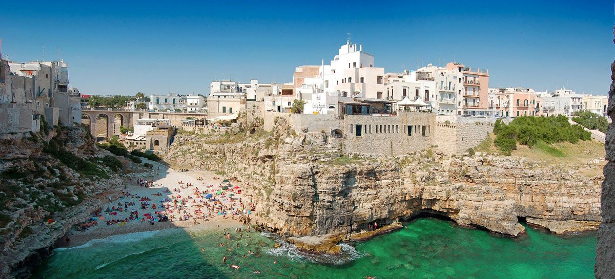 ,Polignano a Mare,Grotta Palazzese,Olaszország,romantikus étterem,romantikus úticél,nászút 2017,