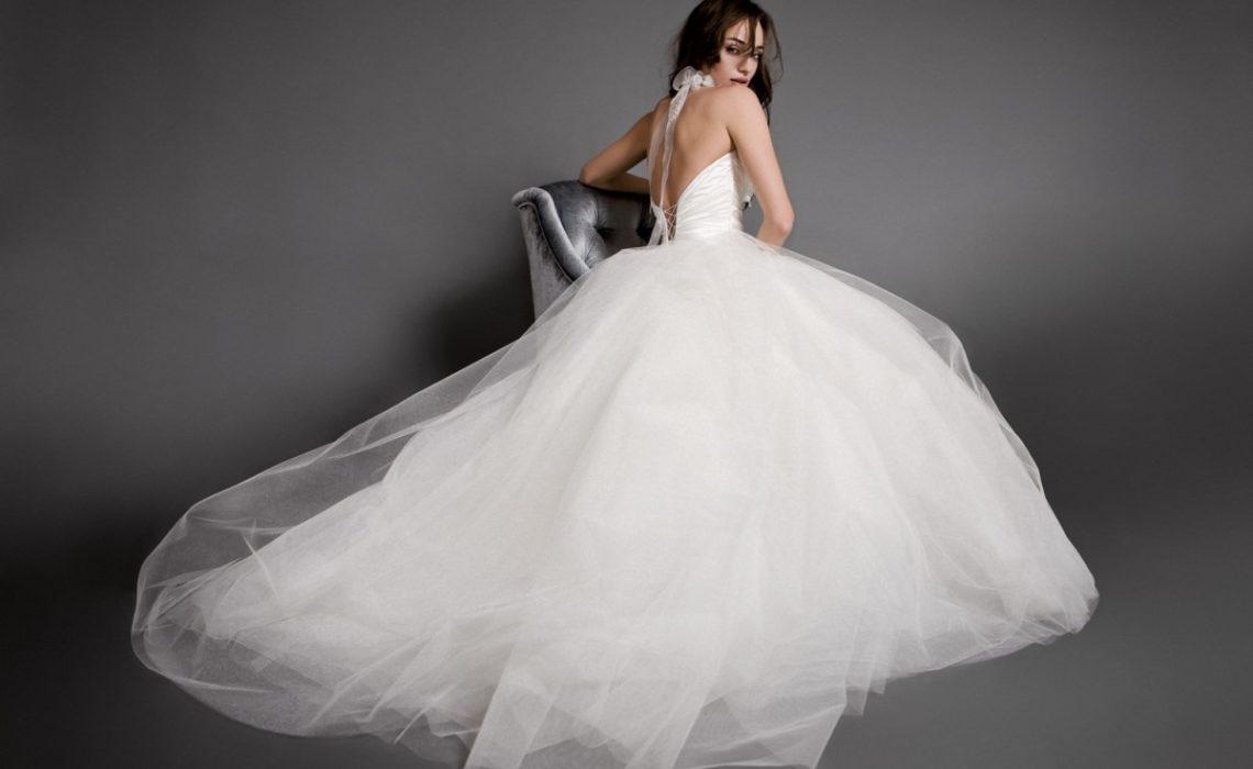 fehér esküvői ruha
