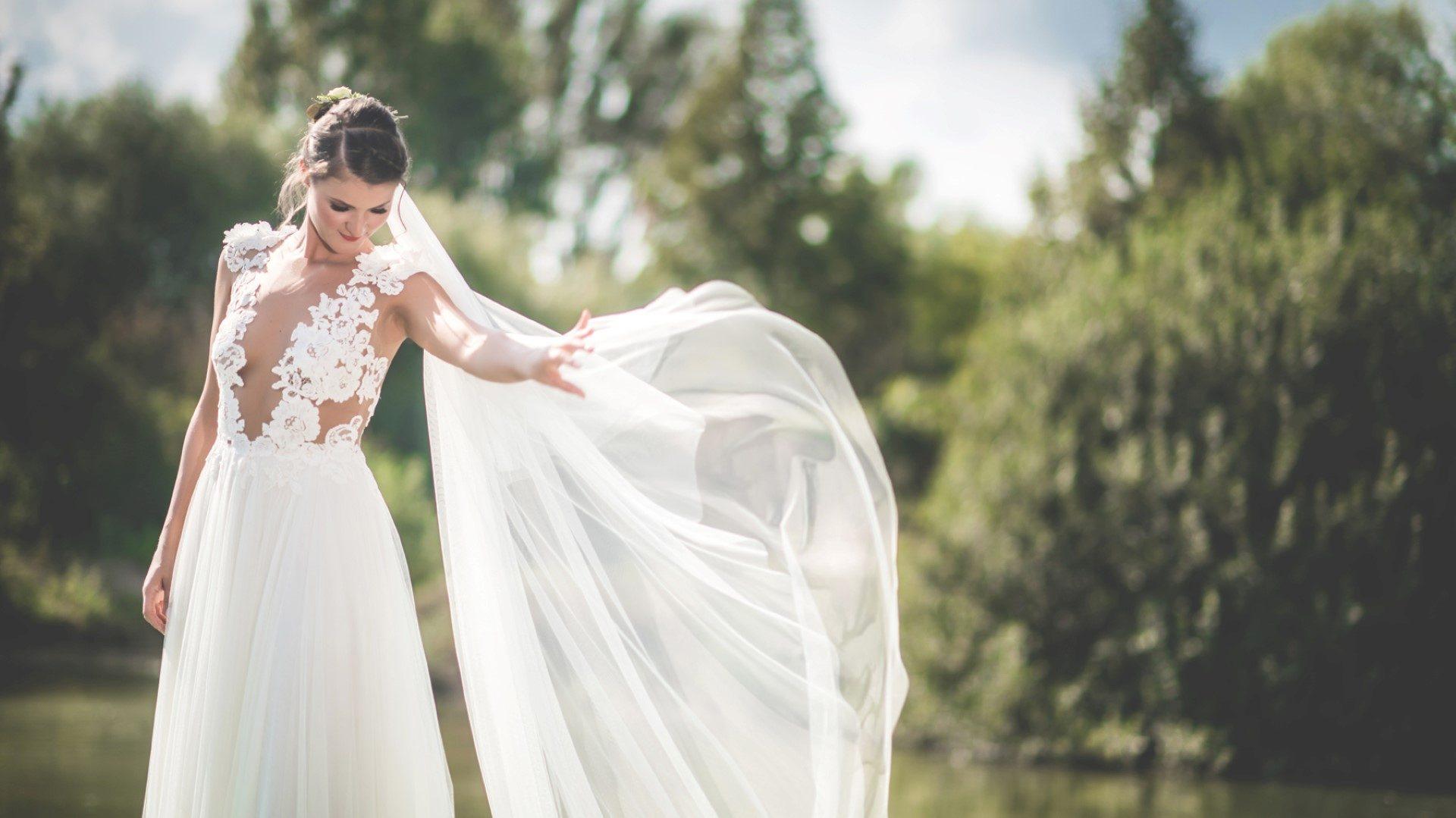 ,romantikus esküvő,,mátyusháza,valódi esküvő,play luna, esküvői helyszín,esküvő,helyszín,rendezvényhelyszín,marangona torta,daalarna ruha,esküvői ruha,menyasszonyi ruha,catering,dekoráció,