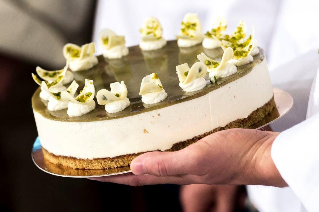 ,ország tortája,magyarország tortája,Őrség Zöld Aranya,Áfonya hercegnő tortája,torta,cukrászda,cukrászdák listája,cukormentes torta,Magyarország cukormentes tortája,Szó Gellért,Tortavár Cukrászda,Pechtol Zsolt,