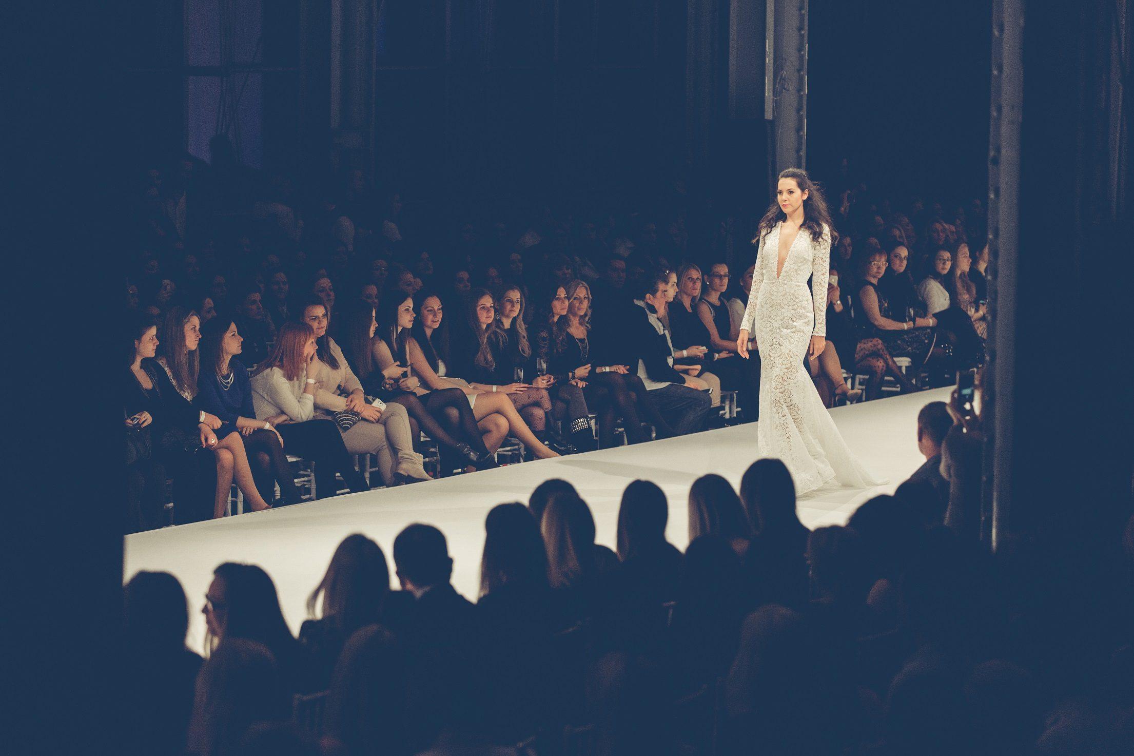 ,menyasszonyi ruha,esküvői ruha,ruha,daalarna ruha,